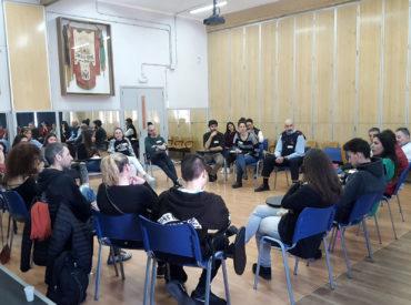 El passat 15 de març es va celebrar a l'Escola Joan Bardina la primera conferència de pau en un centre educatiu de Sant Boi de Llobregat. La conferència de pau és una de les modalitats més formals i complexes de les pràctiques restauratives i l'objectiu és desenvolupar entre totes les persones que participen un pla […]