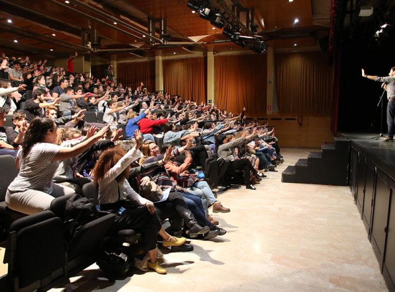 """Més de 250 alumnes diuen """"Stop Bullying"""" al 7è Fòrum Local per la Convivència"""