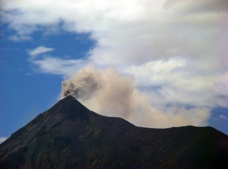 L'Ajuntament de Sant Boi suma esforços en la resposta d'emergència als efectes de l'erupció del volcà Fuego
