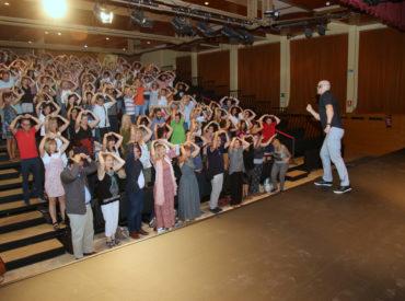 Uns 200 docents de les escoles i instituts de Sant Boi van assistir ahir al tradicional acte d'inici de curs escolar organitzat per l'Ajuntament de Sant Boi de Llobregat a Can Massallera. L'acte va començar amb la benvinguda de l'Alcaldessa, Lluïsa Moret i la Tinenta d'alcaldia de Ciutat Educadora, Alba Martínez, que juntament amb l'inspector […]