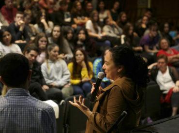 El 9 i 10 d'octubre s'ha celebrat una nova edició del Fòrum d'alumnes defensors i defensores dels drets humans. Es tracta d'un espai anual de trobada entre alumnat de secundària de la nostra ciutat i algunes de les persones defensores dels drets humans que participenen elprojecte Ciutats Defensores dels Drets Humans. Notíciacompleta aBarrejant.cat